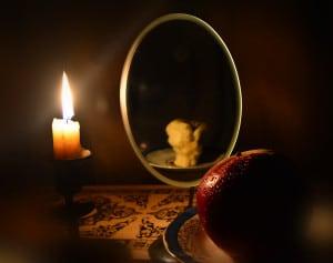 Гадание у зеркала