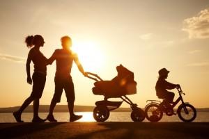 Семья с коляской