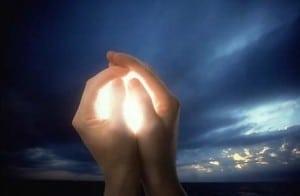Руки и свет