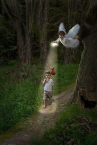 Ангел и ребенок