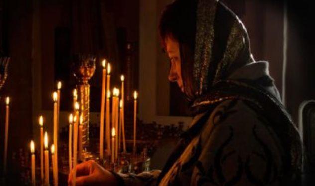 С молитвой об усопших на устах: слова, помогающие в горе