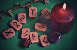 Руна альгиз – значение и толкование. Защита Высших сил от зла и помощь в трудной ситуации
