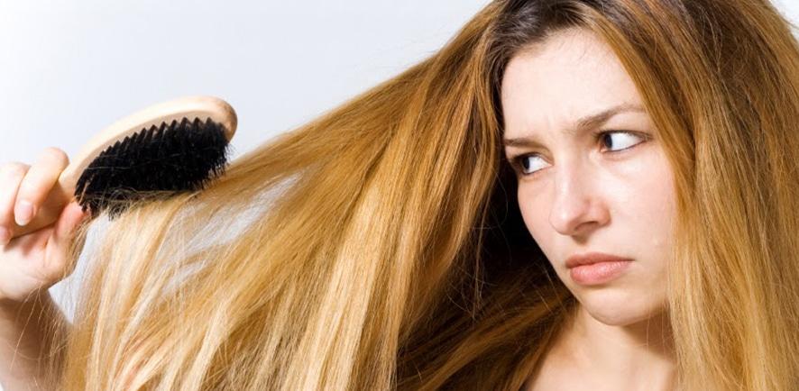 Волосы и щетка